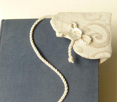 Segnalibro romantico in lino