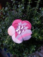 Spilla fiore Ume shiny pink