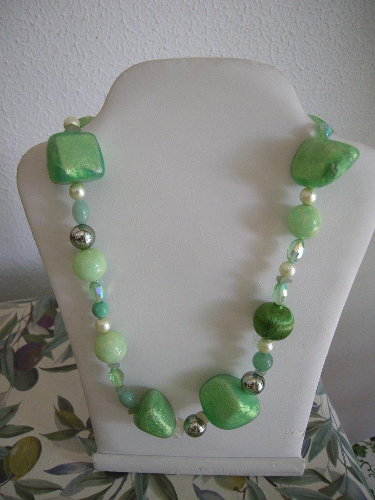 Collana verde perle varie