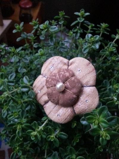 Spilla doppio fiore Ume chiaro