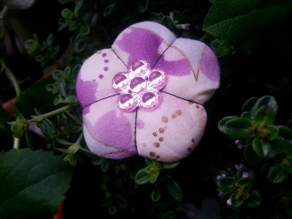 Spilla fiore Ume violet