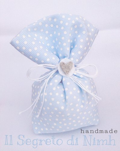 Sacchetto portaconfetti bomboniera nascita e battesimo a pois azzurro