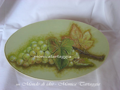piatto in vetro uva bianca