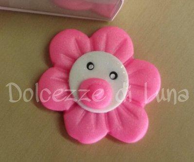 Fiore con ciuccio rosa , soggetto nascita per sacchettini o scatoline porta confetti fatto a mano 4 cm