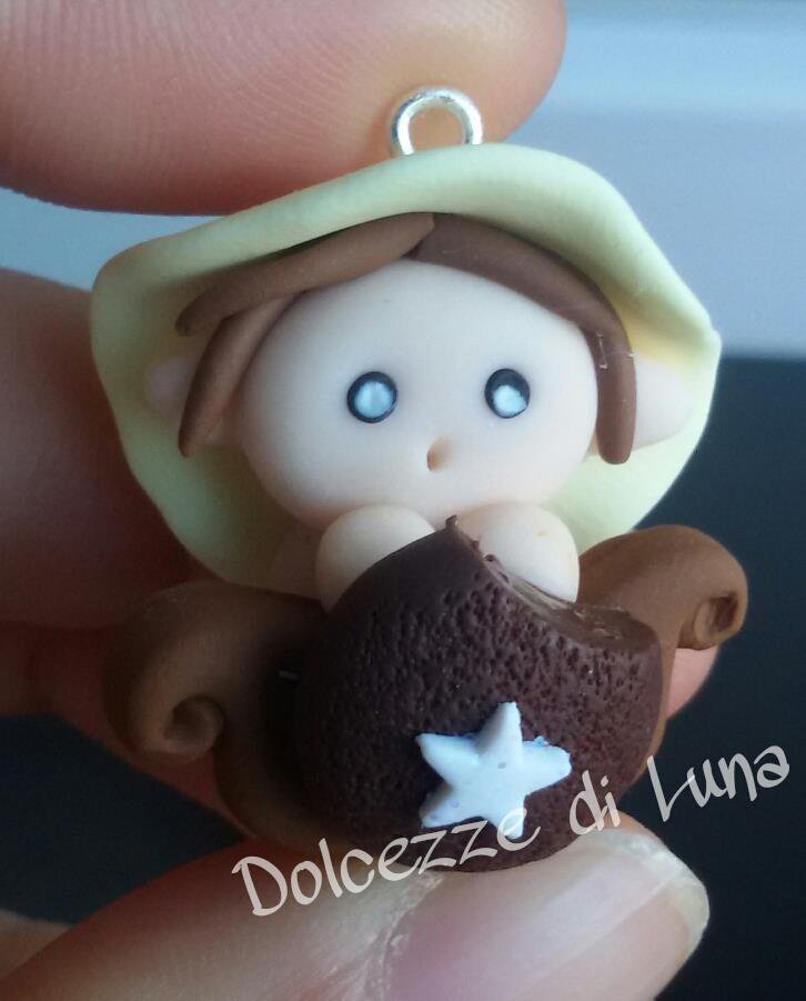 Folletto con mooncake, golossimo! fatto a mano, misura circa 3,5 cm per collana,portachiavi o sacchettino portaconfetti