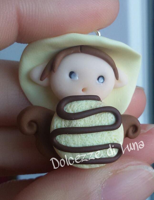 Folletto con yo-yo , golossimo! fatto a mano, misura circa 3,5 cm per collana,portachiavi o sacchettino portaconfetti