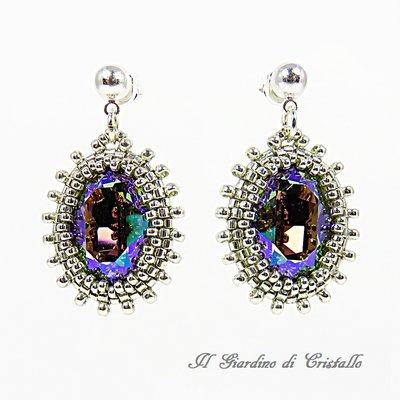 Orecchini pendenti con cabochon Swarovski multicolore fatti a mano – Iris