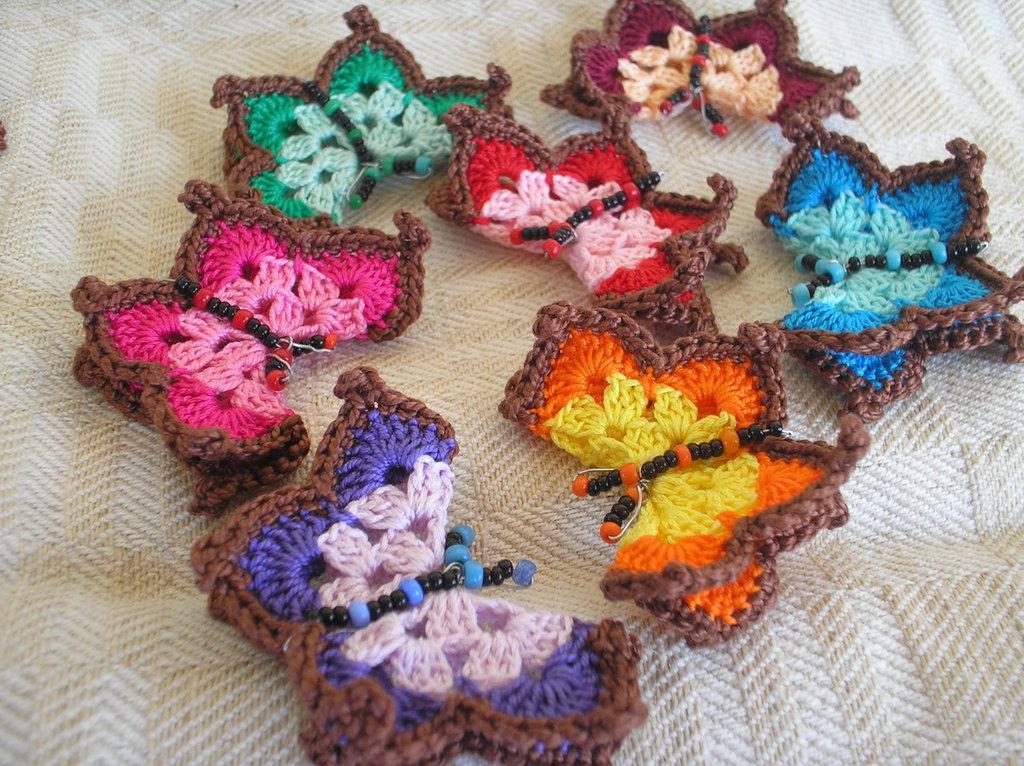 Gruppo di 12 farfalline ali doppie, 12 piatte e 12 fiorellini