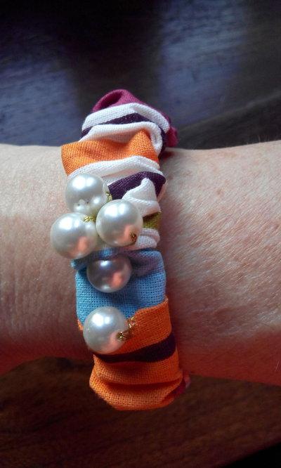 Braccialetto bottoni perle