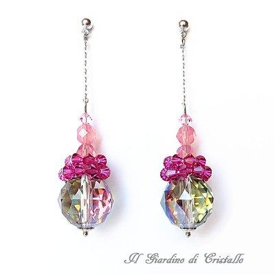 Orecchini pendenti con cristalli iridescenti e Swarovski fatti a mano - Orchidea