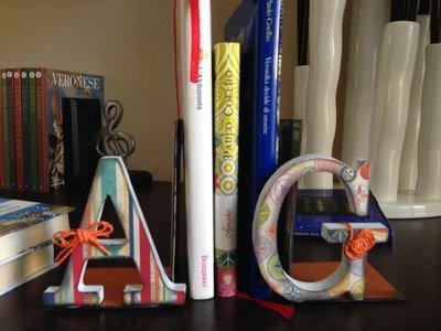 """Ferma libro con lettere di legno, decorate a mano, in stile """"Scrap Booking"""""""