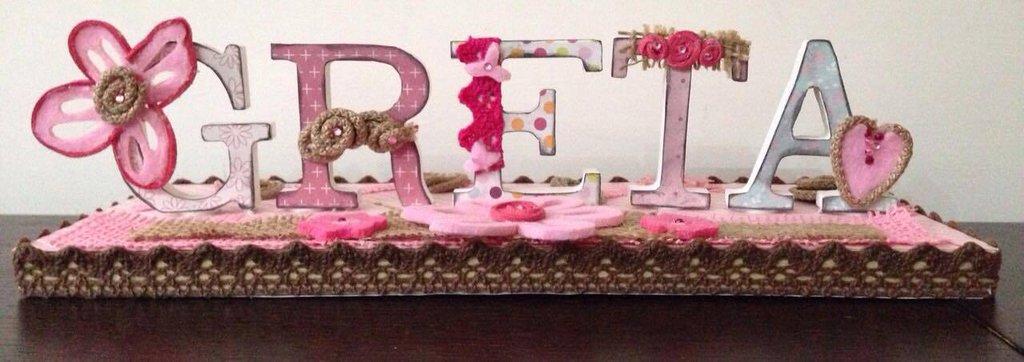 """Nome con lettere di legno, decorate a mano in stile """"Scrap Booking"""", su base di legno"""