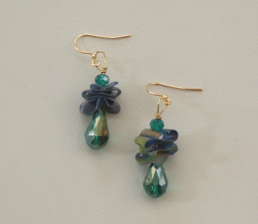"""Orecchini in plastica riciclata """"Samanta"""" verde smeraldo e viola"""