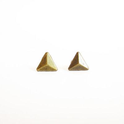 ORECCHINI BORCHIE TRIANGOLO. Piccole borchie a piramide in metallo