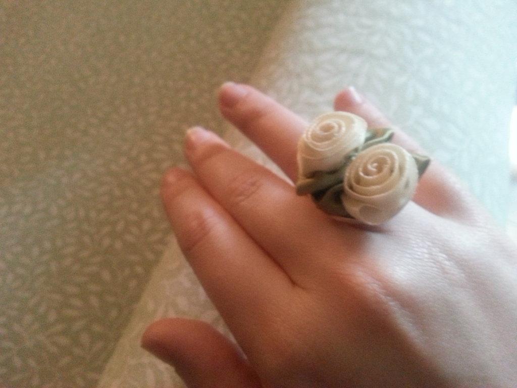 Anello rose satin