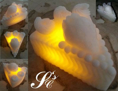 Candela in cera con LED - Fetta Torta Fragola