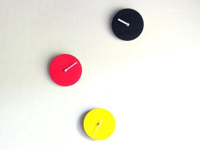 Homis, 3 volte un orologio da muro_1331 combinazioni possibili!