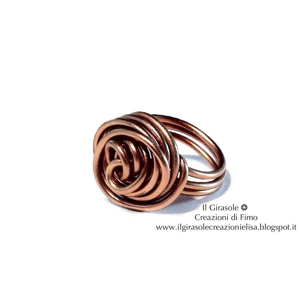 Anello in Wire con Rosa a Spirale