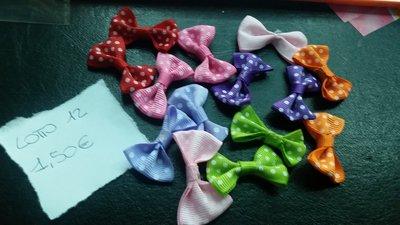 Lotto da 14 fiocchetti colorati