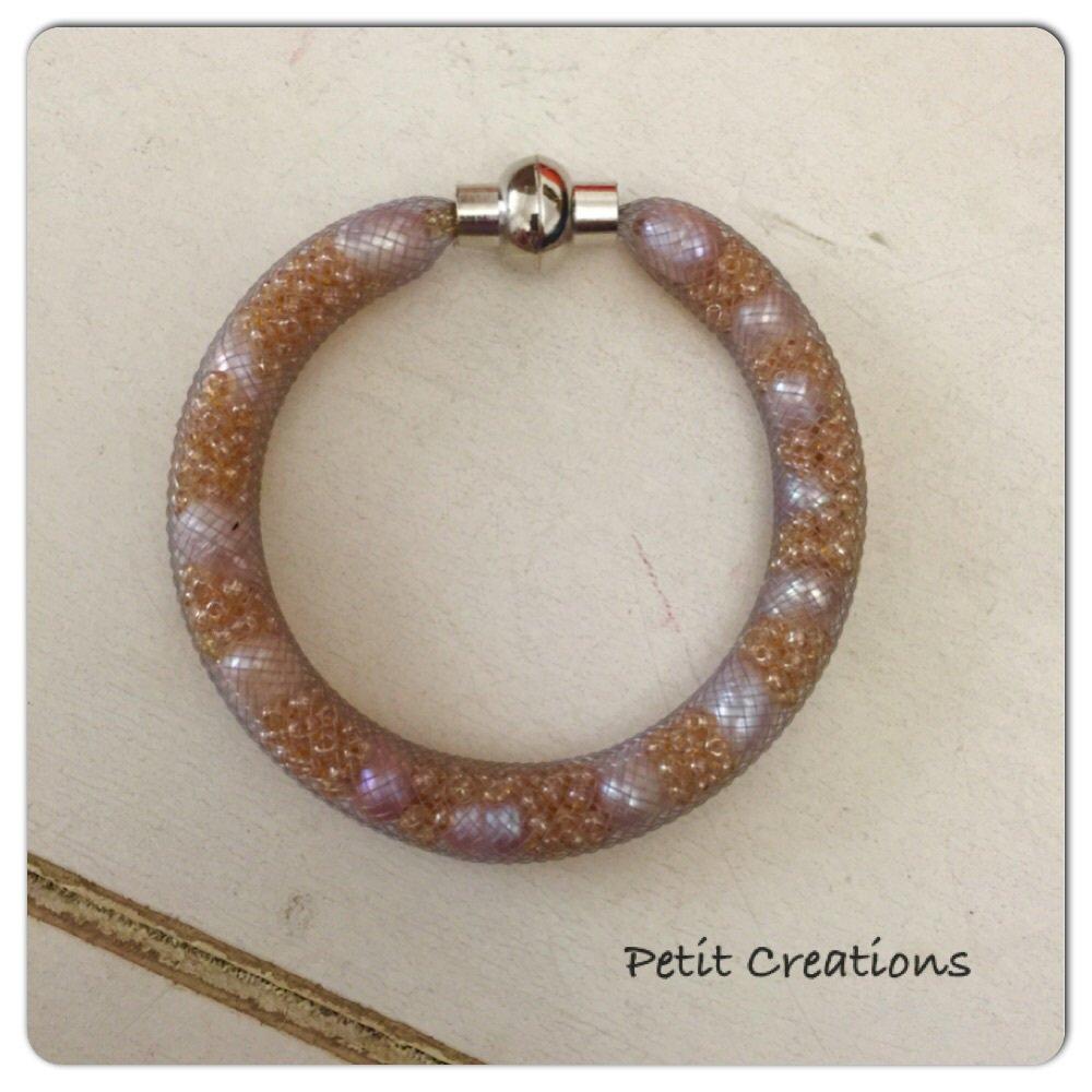 Bracciale tubolare con perle