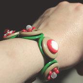 B.3.2015 - Bracciale semirigido con bottoni rossi e verdi - Linea Flower Power