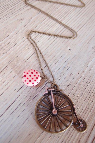 Collana lunga ciondolo bicicletta, rosa pois rossi, ciondolo velocipede vintage, ciondolo  stile retrò , vintage, kawaii pin up lolita rockabilly retrò vintage, polca dots