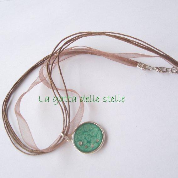 Collana con strass verde