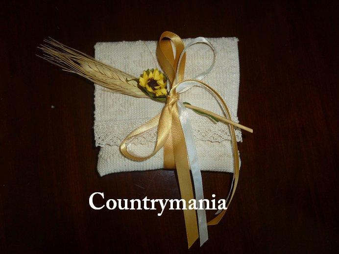 Bomboniera sarda, realizzata con stoffa sarda lavorata al telaio, consigliata per matrimonio