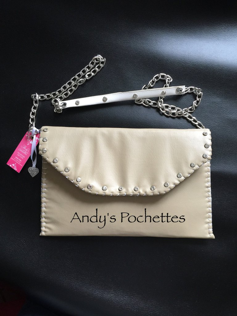 Pochette in ecopelle beige