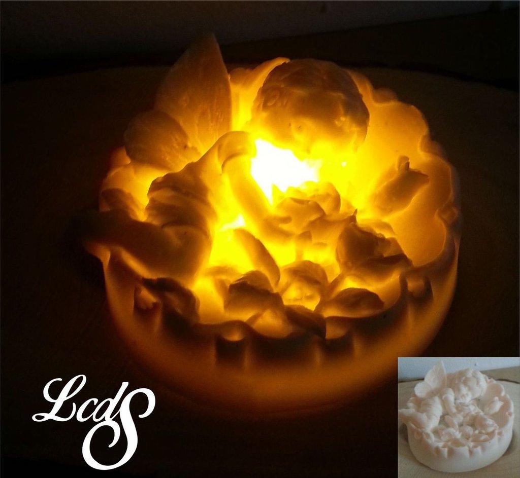 Candela in cera con LED - Angelo rotondo