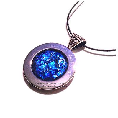 Collana sfumature del blu con ciondolo in acciaio e Fimo effetto cracklè: collana Deep Dream