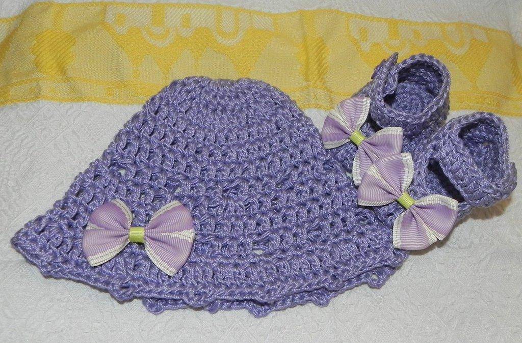 SCARPETTE + cappellino bambina realizzate ad uncinetto in cotone o lana  lilla