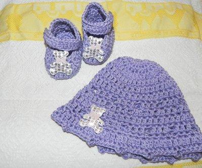 Scarpine e cappellino lilla con orsetti color argento
