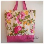 Capiente borsa in cotone fantasia floreale sui toni rosa fucsia e giallo