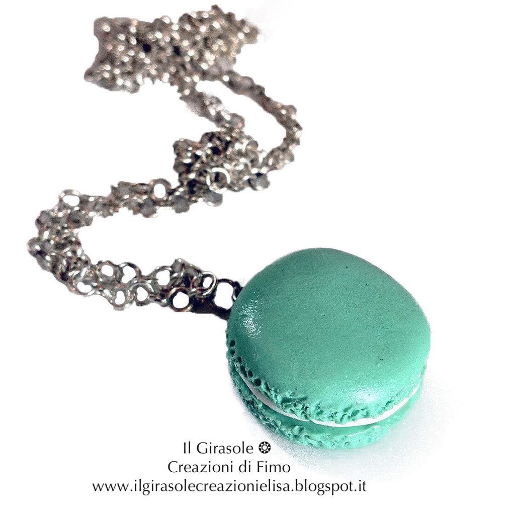 design di qualità 585a0 b584e Collana con Macaron color verde acqua in fimo con catena metallica lunga