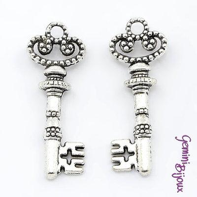 Charm chiave stile tibetano argentato 31x12x5 - K021