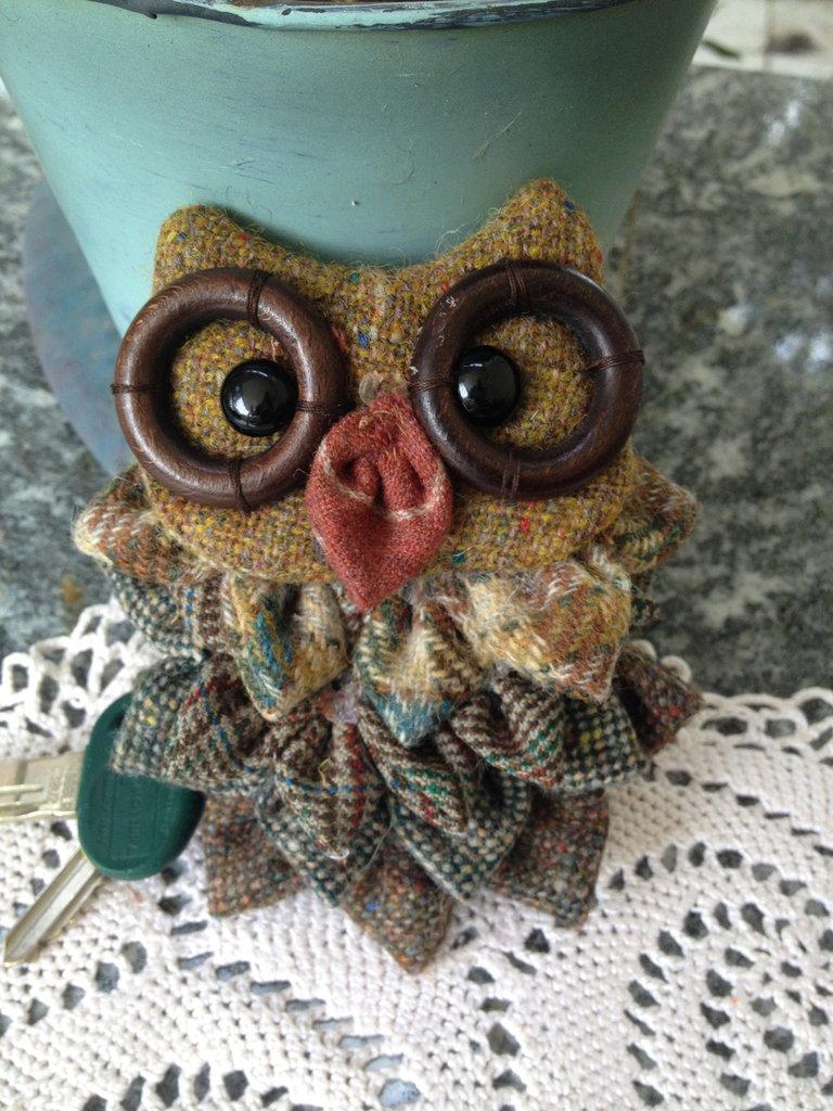 Portachiavi gufo in lana e cotone