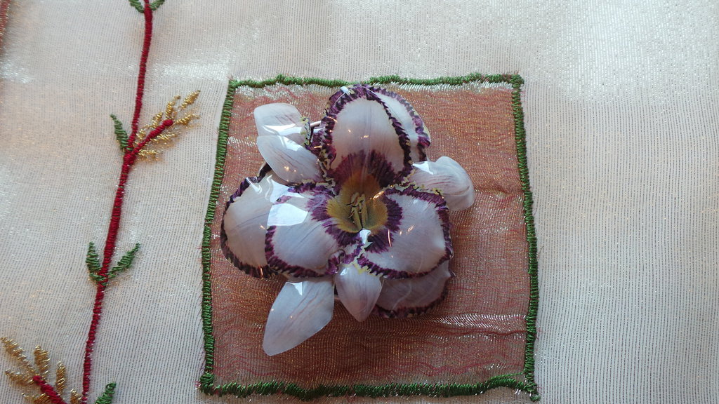 Spilla orchidea viola
