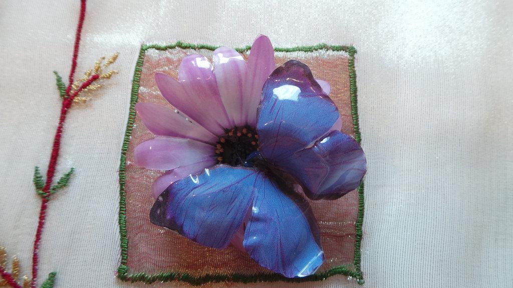Spilla farfalla viola