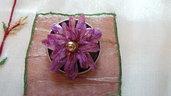 Spilla fiorellino viola