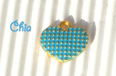 5 charms cuore smaltato azzurro 13x11mm