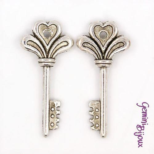 Charm chiave stile tibetano argentato 14x30- K022
