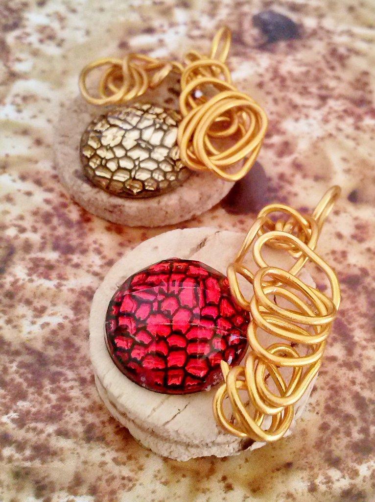 2 Ciondoli  tappo sughero, cabochon e fili alluminio color oro - RICICLO CREATIVO -