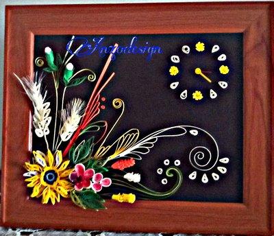 Orologio cornicia  di Quilling paper fatto amano
