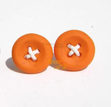 Orecchini Bottoni Arancio a lobo in fimo