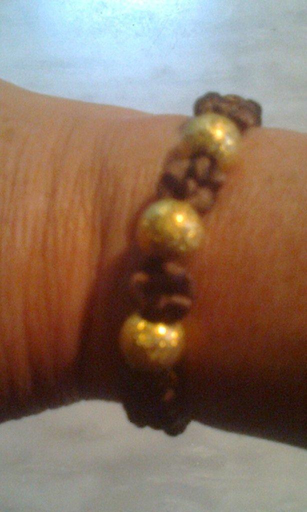 Braccialetto con perle color oro