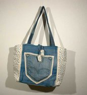 "Borsa in ""denim upcycled"""