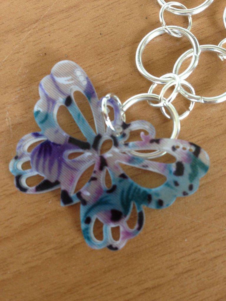 Collana con farfalla