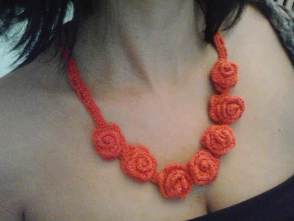 collana con rose