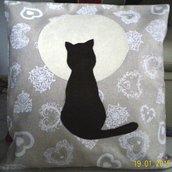 cuscino con gatto e luna piena